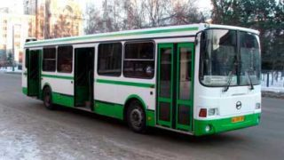 На автобус