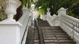 Лестница в Ораниенбауме, вид снизу