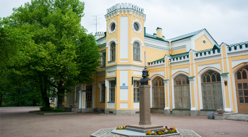 Львовский дворец в Стрельне