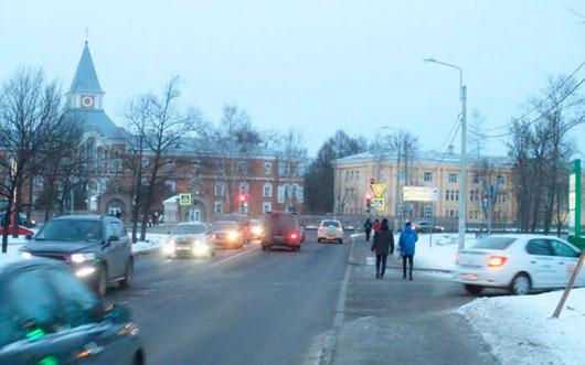 Перекресток Петергофского шоссе и проспекта Буденного